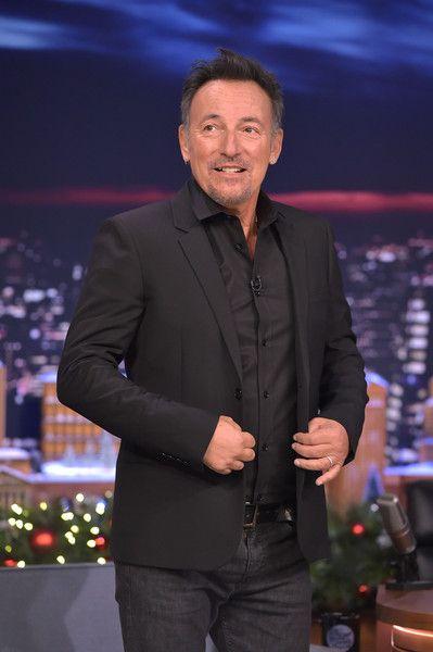 Bruce Springsteen Photos - Bruce Springsteen Visits 'The Tonight Show Starring Jimmy Fallon' - Zimbio
