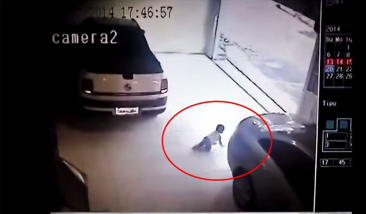 One of the worst things in the world is tounintentionally causes pain or injury to one's own children. In this heartbreaking CCTV recording you can see how the parents are about the pull out of their garage, and the baby then crawls behind the car. They then proceed to back up with the baby behind …