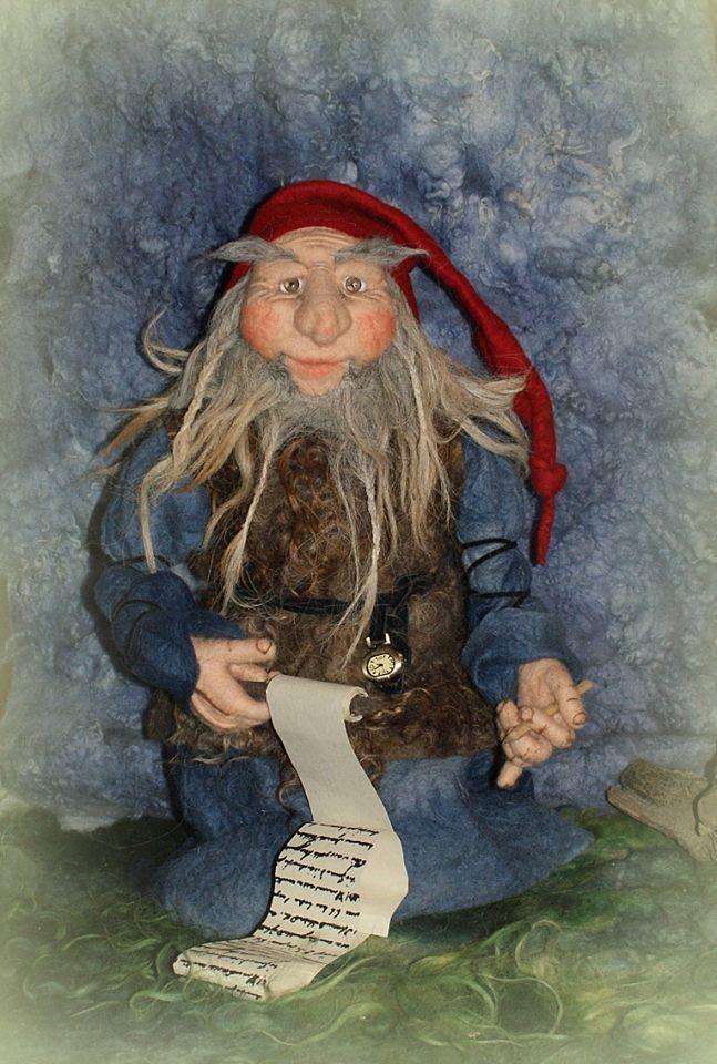 Silke-Sordyl-Sencha Needle Felted Gnome on www.livingfelt.com/blog