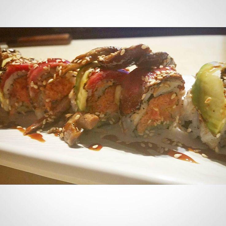 Clemson roll spicy tuna with beef tataki #sushibars #sushiporn #sushiroller #sushi #foodie #fancysushi #fancyfood #foodholic #sushichef #sushilunch #sushilover #sushitime #clemson #clemsontokyo #chef #japanesefood #dinner #lunch #yummy #맞팔 #맛스타그램 #먹스타그램 #스시 #스시롤 #일상 #퓨전일식 #好吃 #日食#tataki by hans_team