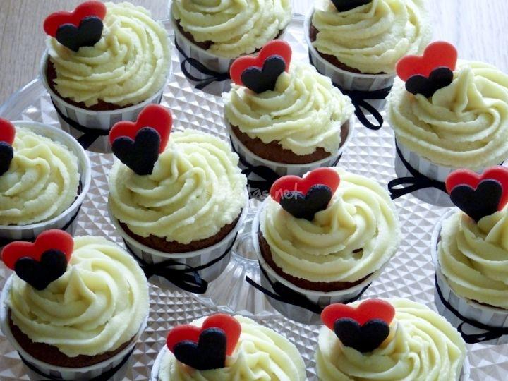 Resultado de imágenes de Google para http://www.bodas.net/emp/fotos/0/7/2/6/cupcakes-boda7_c726.jpg
