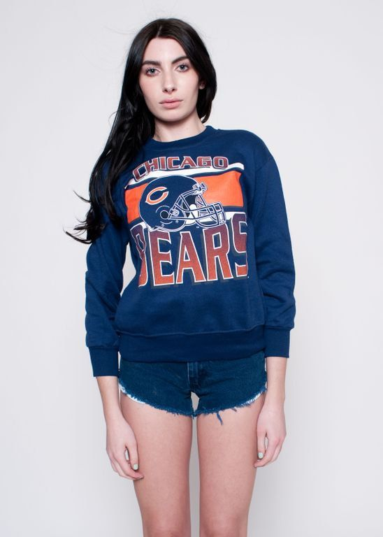 Vintage sweatshirt with cut off denim shorts, an easy to wear look. So good for summer evenings.