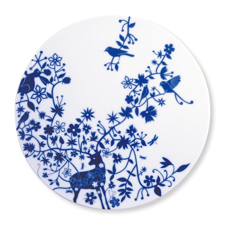 Voor aan de keukenmuur: borden van Tord Boontje, serie Table Stories