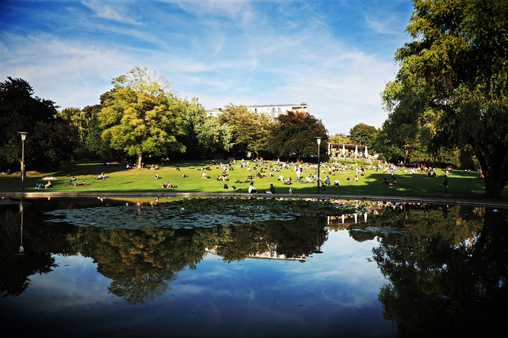 VOLKSPARK AM WEINBERG - At this park, there are many more activities to do than sunbathing. Check them out at BERLIN INSPIRES N°2 2013, p.127