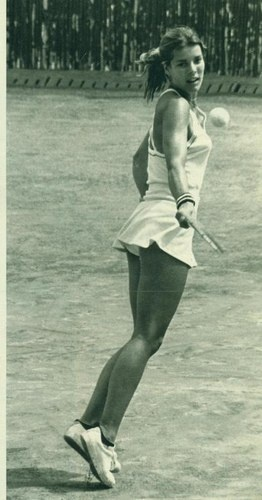 caroline de monaco. Love her picture when she is playing.                                                                                                                                                      Plus