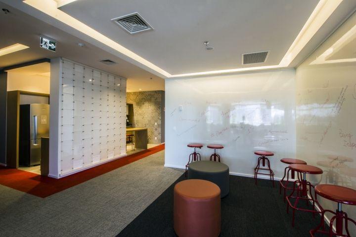 Стильный интерьер офиса Bain & Company - фото 8
