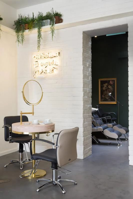 Frank & Faber | Aer Blow-dry Bar, brass vanity area