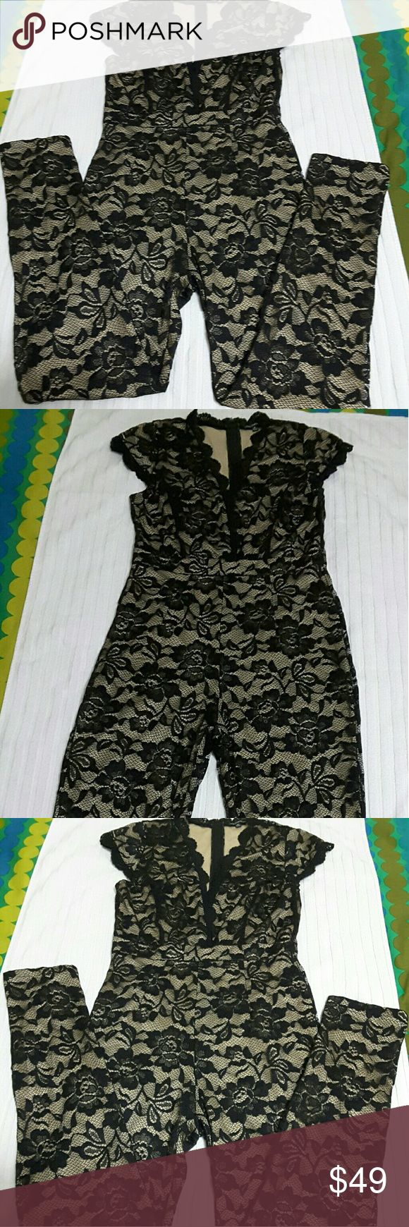 Shinesdar Lace Black & Nude Jumpsuits Medium Pre -owned Shinesdar Black & Nude Jumpsuits Medium Featured Beck zipper 21 inches drop Length Shoulder down 55 in Waist 28 in Fits with little stretch Open v neck lace front Shinesdar Other