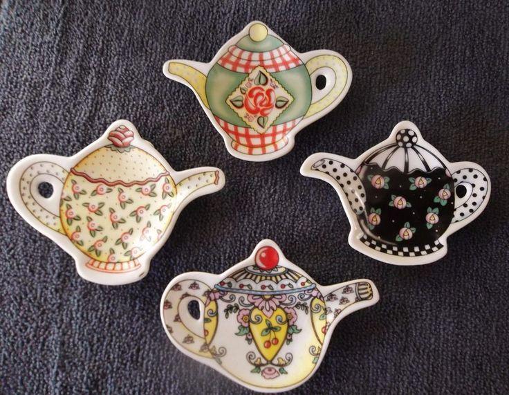 MARY ENGELBREIT Set OF 4 Teapot Shaped Tea Bag Holders ME INK  2002-Retired Set