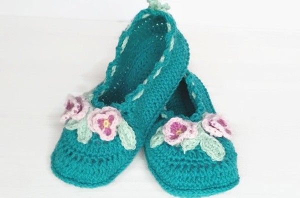 Crochet pattern Viola Mary Janes, ladies sizes, Slippers, house shoes, women Slippers, light, cozy, crochet viola, detailed pattern, step-by-step, tutorials