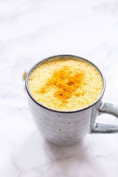 Kurkuma Latte (Goldene Milch) - rein pflanzlich, vegetarisch, vegan, glutenfrei, ohne raffinierten Zucker - de.heavenlynnhealthy.com