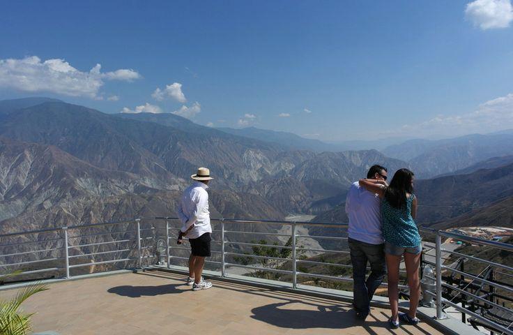 Vista 360° en el Parque Nacional del Chicamocha Cañón del Chicamocha - Colombia. by Juan Felipe Gómez on 500px