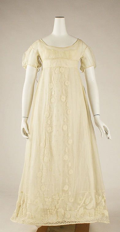 Ivory Dress from 1810 (The Metropolitan Museum of Art)