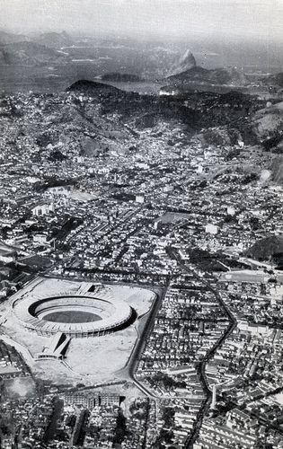 Estádio do Maracanã no Rio de Janeiro - recém construído em 1950