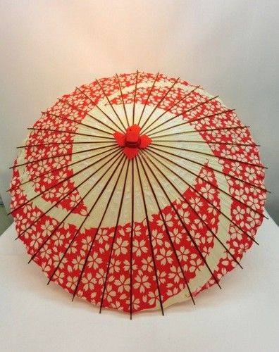 Beautiful! Janomegasa (paper umbrella)  Size: Length 72cm  /  Diameter98cm Material: Paper/ bamboo/ wood