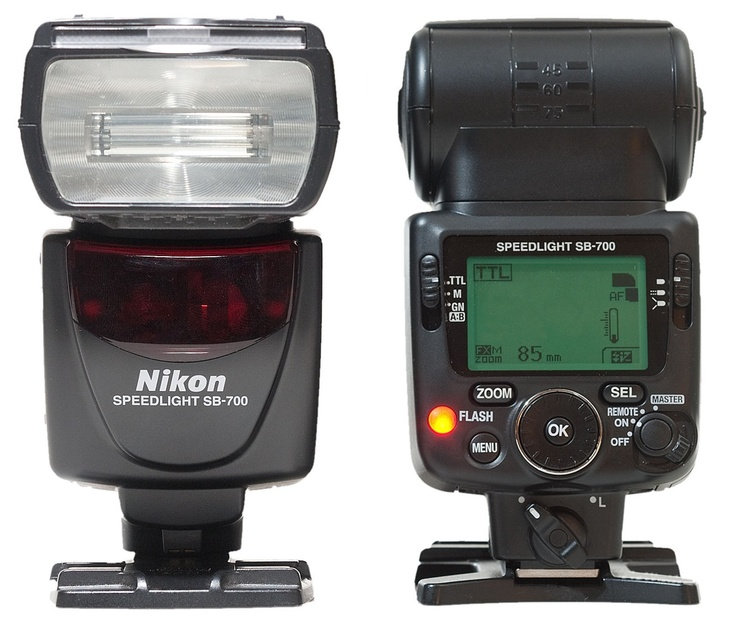 Nikon SB-700 Speedlight flash (front & back)