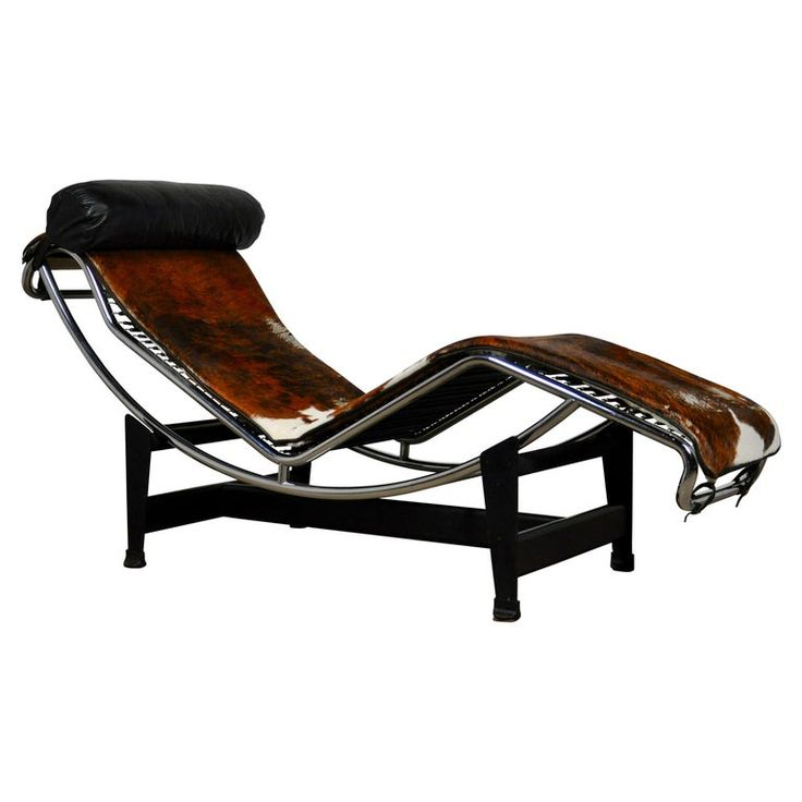 Photo of Lc4 Lounge Chair By Le Corbusier, Pierre Jeanneret & Charlotte Perriand