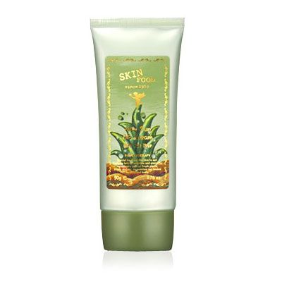 SkinFood Aloe Sun BB Cream este bogată în aloe, are propietăți excelente de hidratare și calmare a pielii. Protejează pielea de razele UV și acoperă imperfecțiunile, în timp ce hidratează și hrănește.