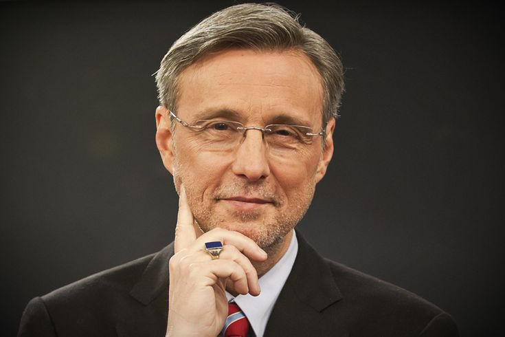 """Thom Hartmann: Libertarians are pushing us over a cliff.  We'll get sensible financial regulation, but not until conservative """"predators"""" destroy the economy. This war – the Afghan and Iraqi wars, which I would argue are not so much a result of this economic crisis, they were more strategic and oil wars – those wars were basically volunteer wars. We have a pauper army, to an extent."""
