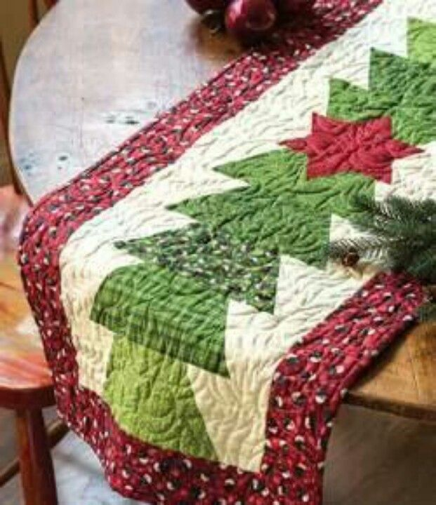 Pinterest Quilting Table Runners : Christmas Tree Table Runner! Quilting! Pinterest