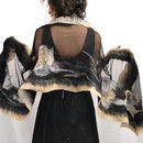 * Sciarpa di seta di grandi dimensioni *  Colori: nero, beige, grigio Scialle Numero: 4367 Altri modelli: www.sklep.alejasztuki.com  Sciarpa di seta decorato con lana merino australiana che a...