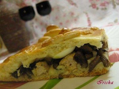 Пирог со свининой и грибами