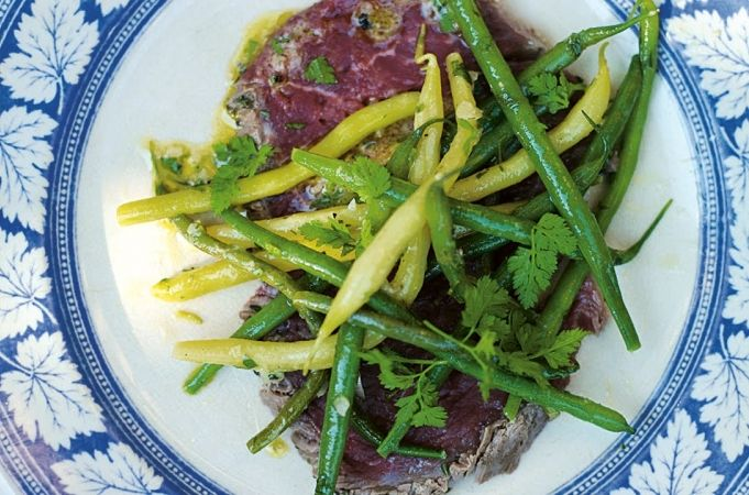Beef carpaccio salad with beans/runner beans