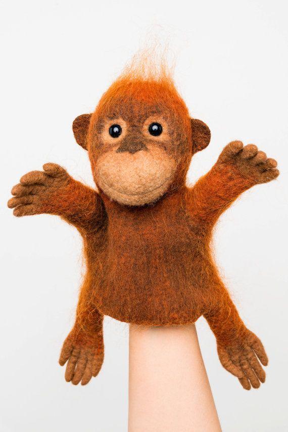 de baby orang-oetan hand puppet, NAT vilten, dierlijke hand puppet, MADE TO ORDER