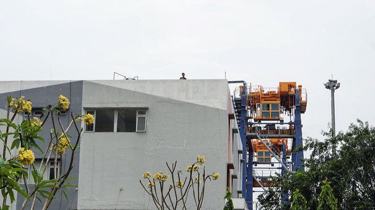 Building  #grey #port #building