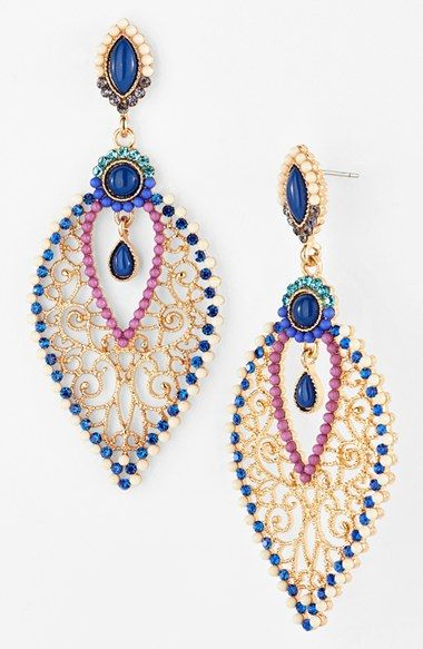 Gorgeous beaded chandelier earrings http://rstyle.me/n/jufb5nyg6