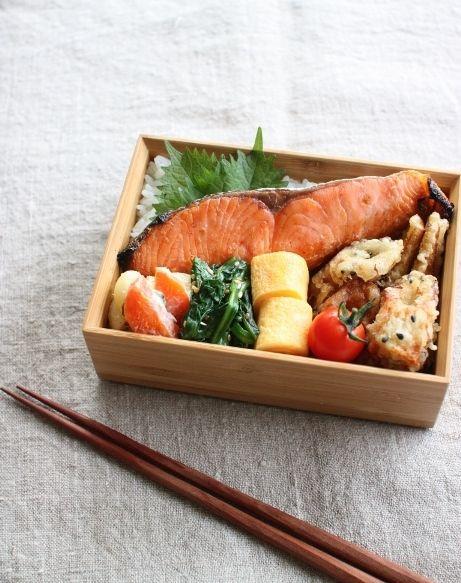 日本人のごはん/お弁当 Japanese Bento Boxed Lunch 人気のシャケ弁