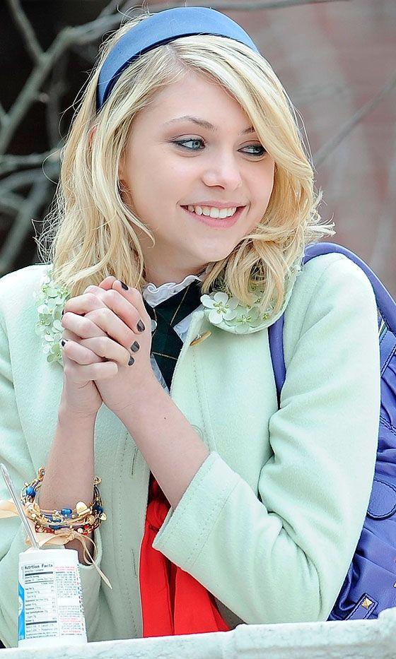 Awwwe she looks so cute here I can't