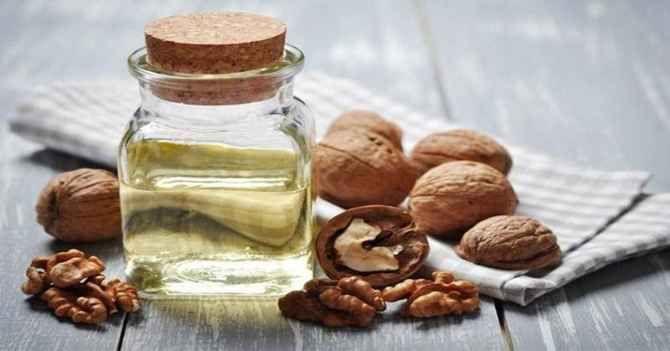 ASAM lemak omega 3 sangat baik dikonsumsi oleh ibu menyusui. The Institue of Medicine merekomendasikan wanita yang sedang menyusui mengonsumsi sekira 1,3