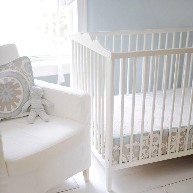 Picket Fence Bumperless Crib Sheet