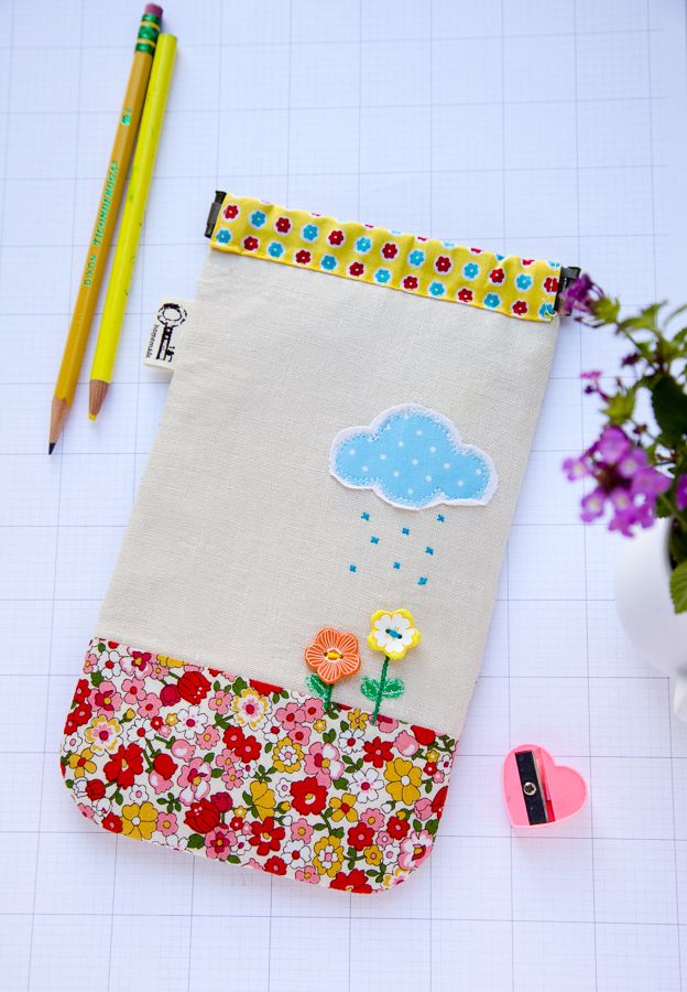Welcom spring, Pencilcase via Minki's Work Table  ***This girl and her mad skills of free hand sewing!
