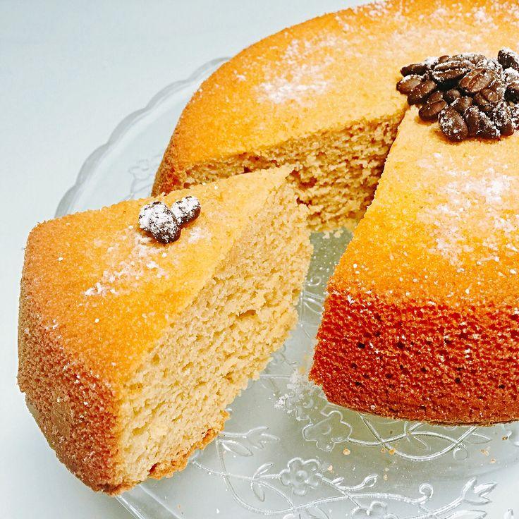 La TORTA VELOCE AL CAFFÈ è una #torta facile e velocissima che cuoce in soli 12 minuti al #microonde . Soffice #senzaburro risulterà golosa dal gusto delicato di aroma di #caffe per restare in forma senza sensi di colpa! Ecco la #ricetta del #dolce http://www.dolcisenzaburro.it/recipe-items/torta-veloce-al-caffe-senza-burro/ #dolcisenzaburro healthy and light dessert cake sweets