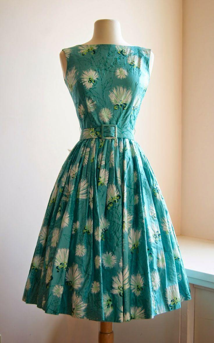 1950's Alfred Shaheen Hawaiian dress....love....