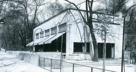 Fuchs, 1925, Zemanova kavarna