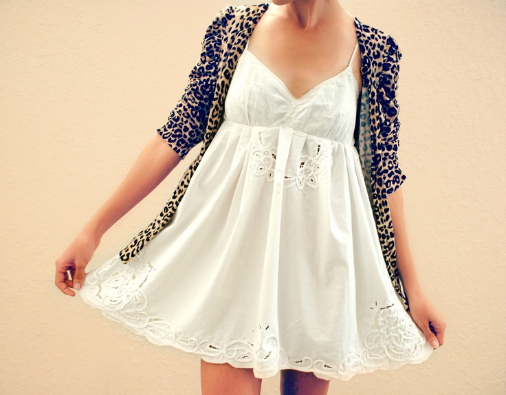 Trash To Couture: DIY slip + eyelet tablecloth = perfect dress