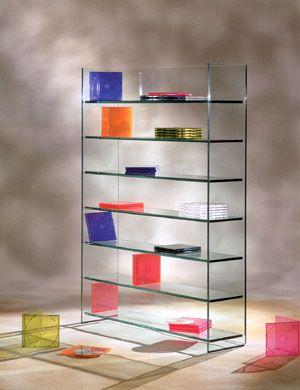 El vidrio, gracias a su belleza y enormes posibilidades de diseño, se ha trasladado a diferentes campos de la industria, entre ellos, el mobiliario.