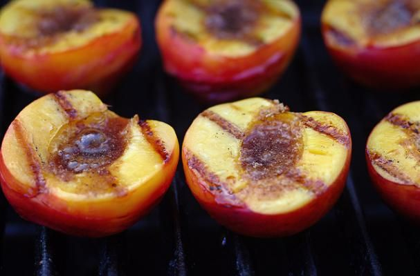 Foodista | Grilled Peaches with Honey and Goat Cheese