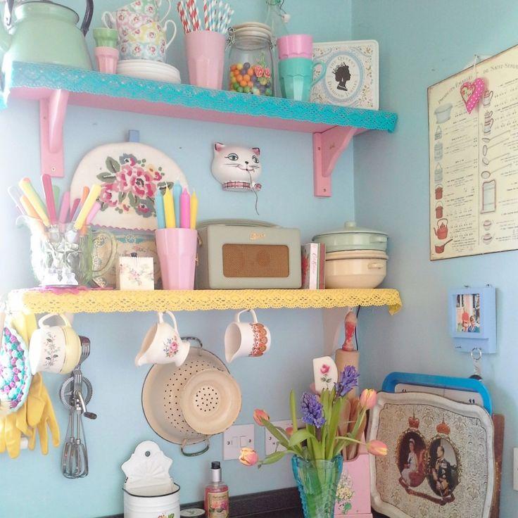 Colour Inspiration A Retro Kitchen From Sarah 101: 25+ Best Ideas About Pastel Kitchen On Pinterest