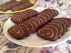 Gesztenyés keksztekercs, finom, kiadós édesség, sütés nélkül, egyszerűen elkészíthető. recept fázisfotókkal, Kocsis Hajnalka receptje