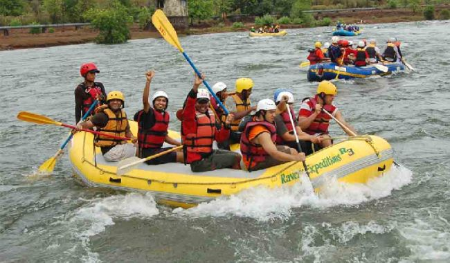 White Water Rafting in Rishikesh>>The wildlife beauty of the state of Uttarakhand is well known. The white waters here offer a pristine view while rafting. One can witness stunning mountains, sandy beaches and the ghats.One can also admire the popular spots of Rishikesh including many temples and Lakshman Jhula etc. #Rafting #Rishikesh #Uttrakhand #WhiteWaterRafting