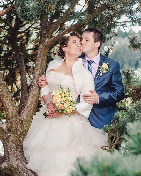 Принимаю заказы на свадебную фотосъёмку!  Всю серию можно посмотреть на сайте www.avelvi.ru  #weddingphotography #wedding #weddingday #justmarried #love #photography #moscow #фотограф #фотограф в #москве #фотографспб #фотографореховозуево #фотографвподмосковье #свадьба #молодожены #ищуфотографа #фотографнасвадьбу #фотографмск #парк #поцелуй #свадебныйфотографмосква #followme #like #avelvifoto #photo http://gelinshop.com/ipost/1523923316318300675/?code=BUmEC6eFmoD