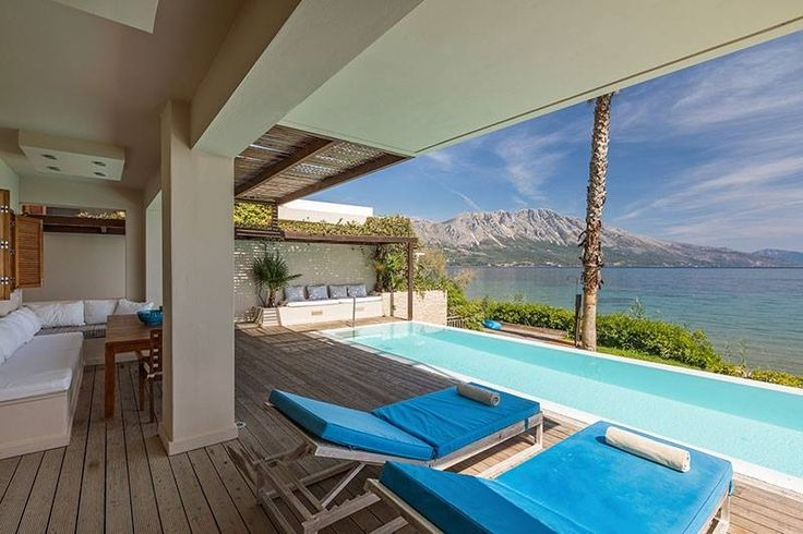 Τhe beautiful beachfront villa Madouri