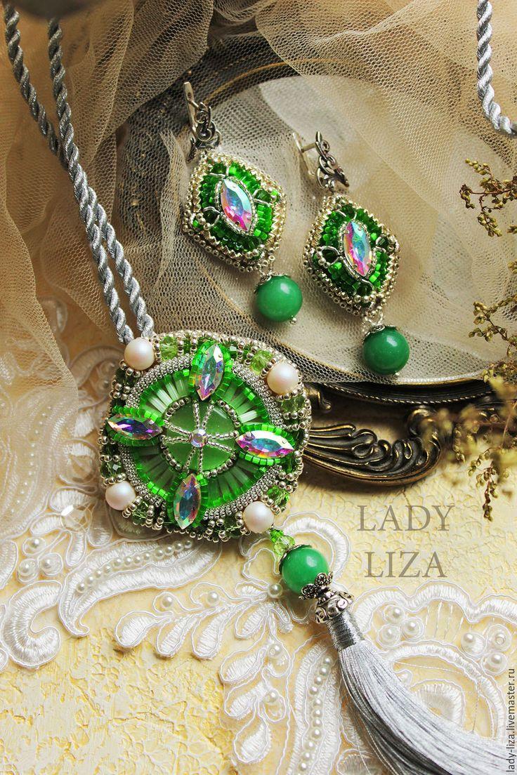 Купить Серьги из бисера Зеленый Восток. Вышивка бисером. Зеленые серьги - зеленый, зеленые серьги
