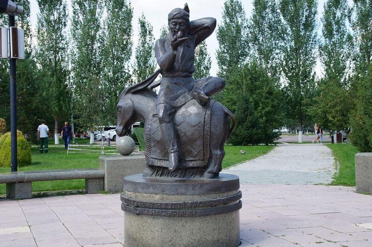 Statue of Khodja Nasyrmyn  near city circus in Astana #astana