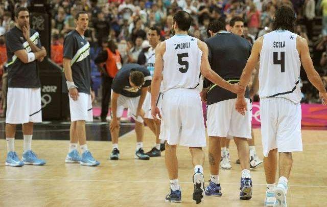 Londres 2012 | La selección de básquet perdió con Rusia y quedó fuera del podio olímpico (Foto: Cadena3) | Leé la nota completa en http://www.lapampadiaxdia.com.ar/2012/08/londres-2012-la-seleccion-de-basquet.html