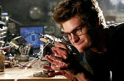 andrew garfield. amazing spiderman. (gif)